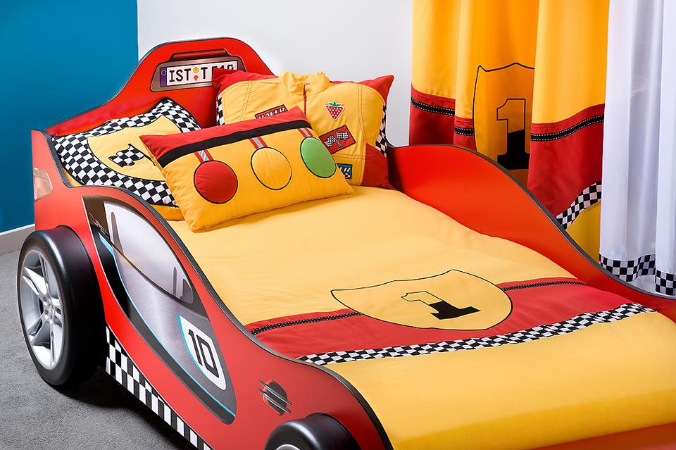 Покрывало на кровать машинку